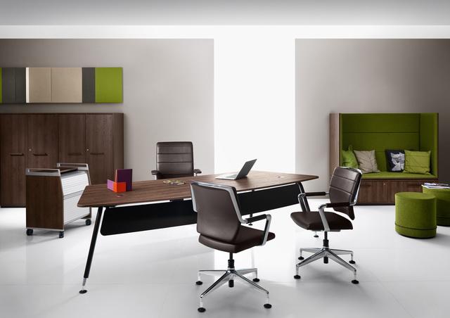 Schreibtische und Arbeitstische - CKW - Lebensraum Büro